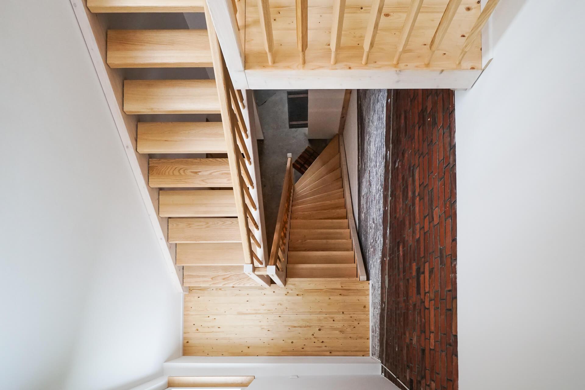 Foto Ryan Baugestaltung Anbau-Francop moderne Treppe aus Esche von Oben