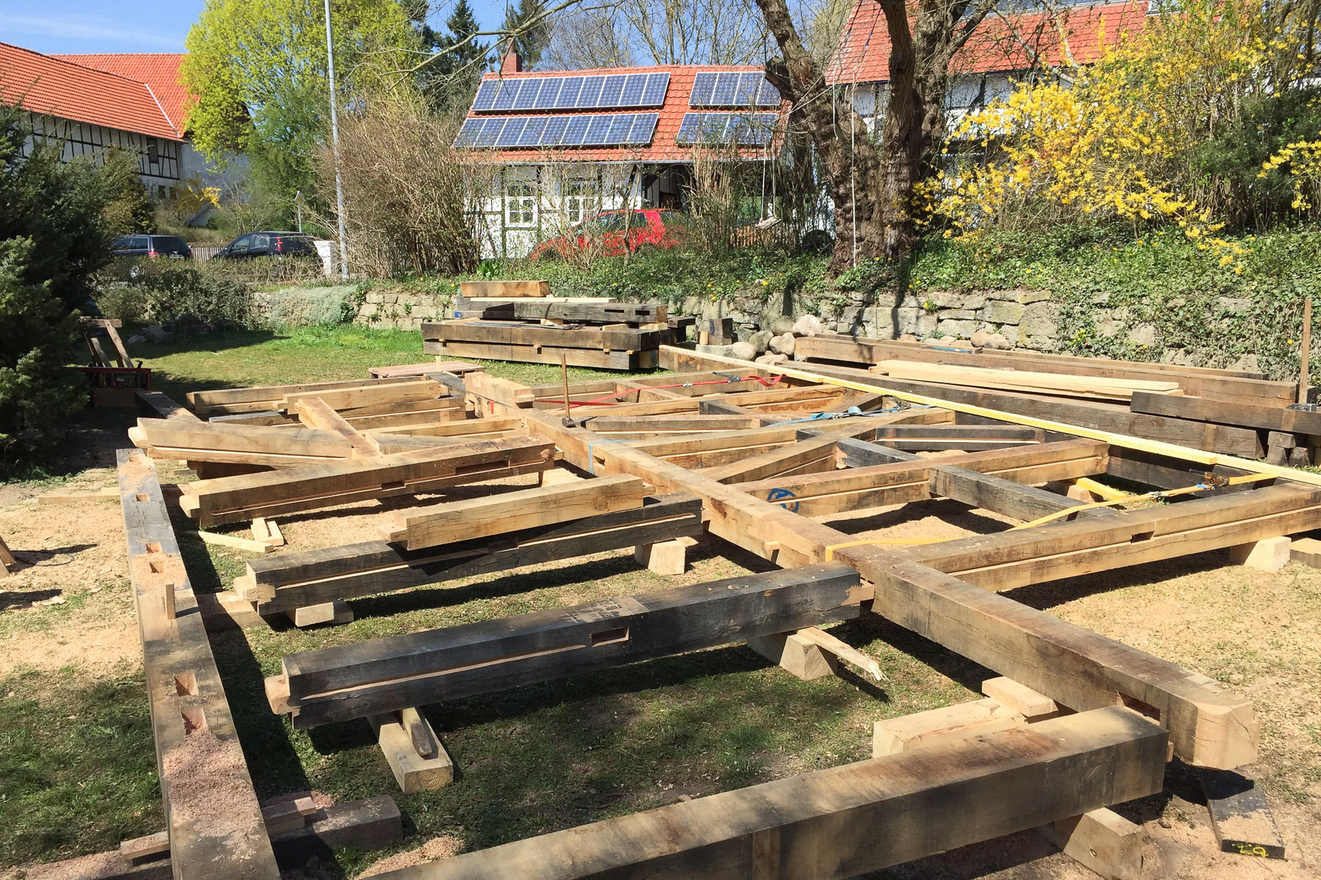 Ryan Baugestaltung Fachwerkhaus Goettingen Foto Bauvorgang Komplettsanierung denkmalgeschuetzes Fachwerk
