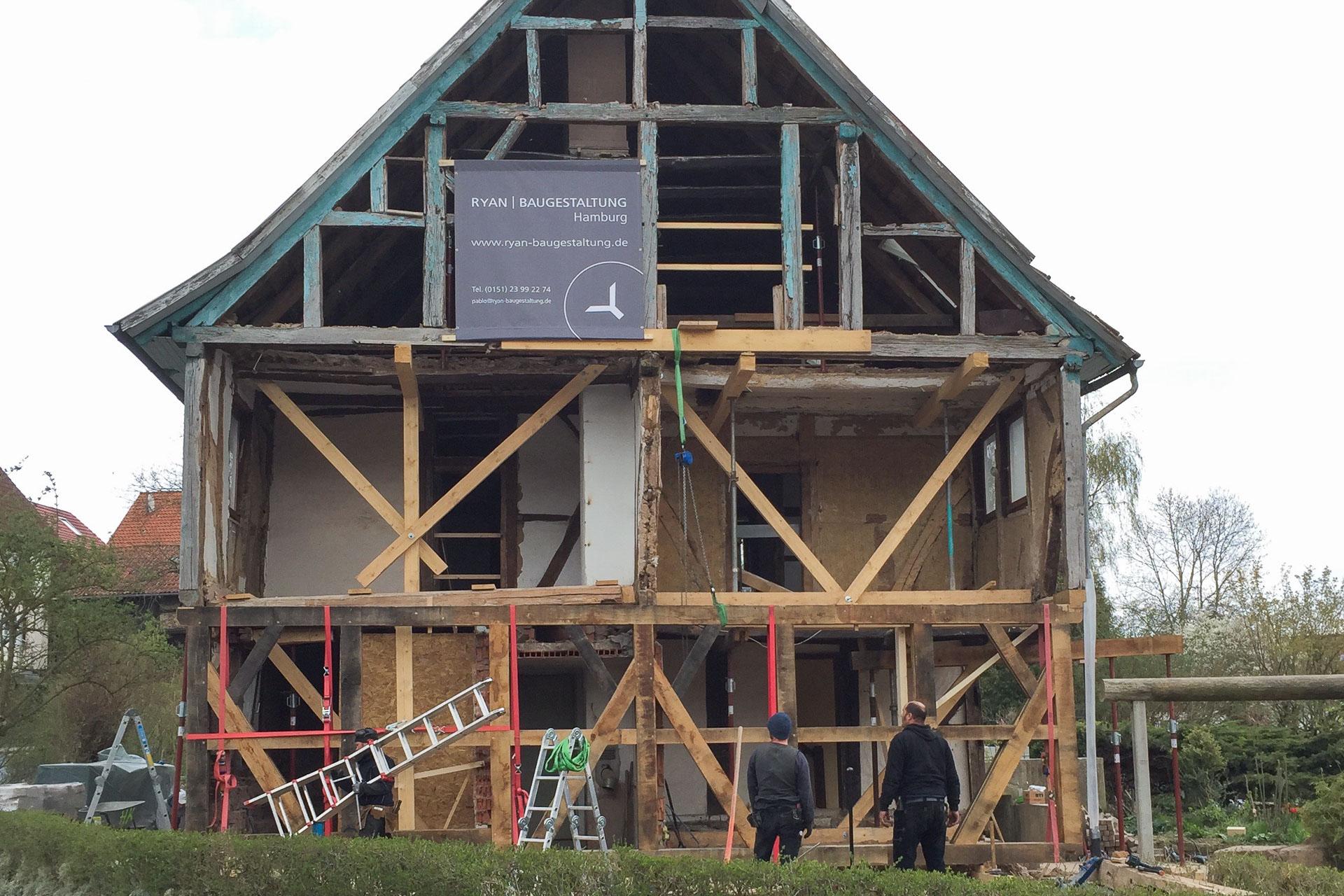 Foto Ryan Baugestaltung Fachwerkhaus Goettingen Baustelle komplette Sanierung