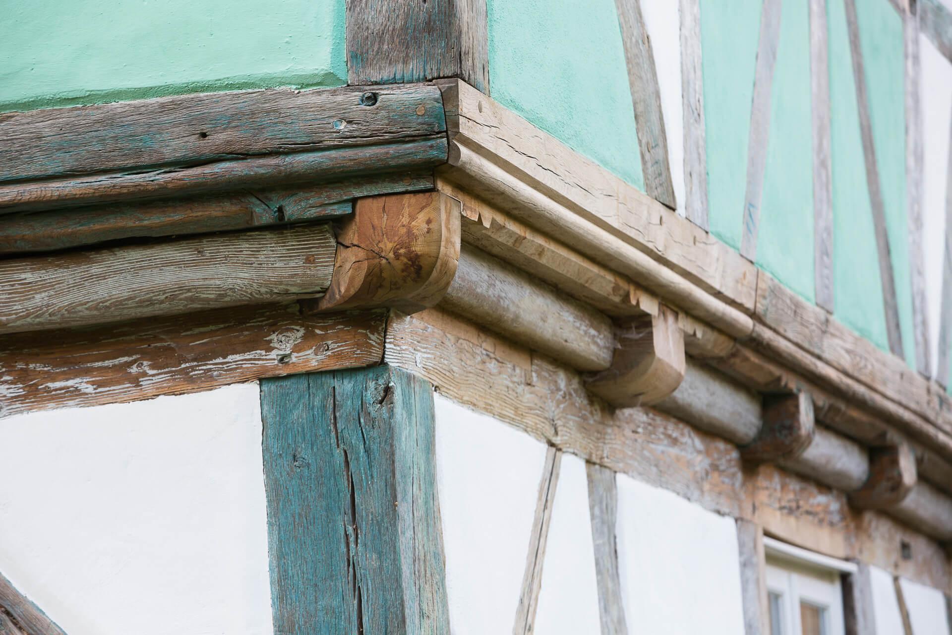 Foto Ryan Baugestaltung Fachwerkhaus Goettingen Aussenansicht sanierte Holzbalken