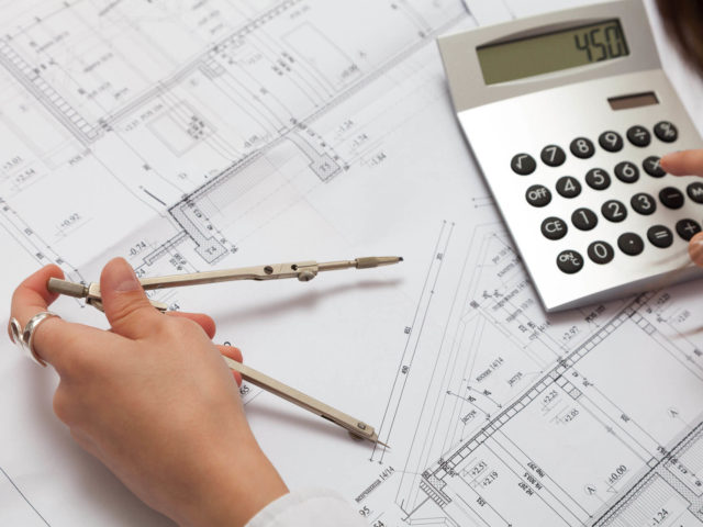 Foto von pablo baugestaltung zeigt die Detail- und Kostenplanung bei einem Hausbau in Hamburg